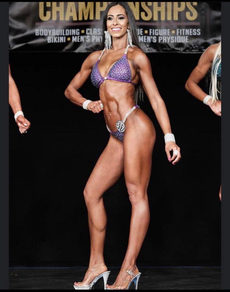 IMG 20200701 WA0086 807x1024 - Influencer Brasileira que reside em New Jersey é recordista em concursos de fisiculturismo