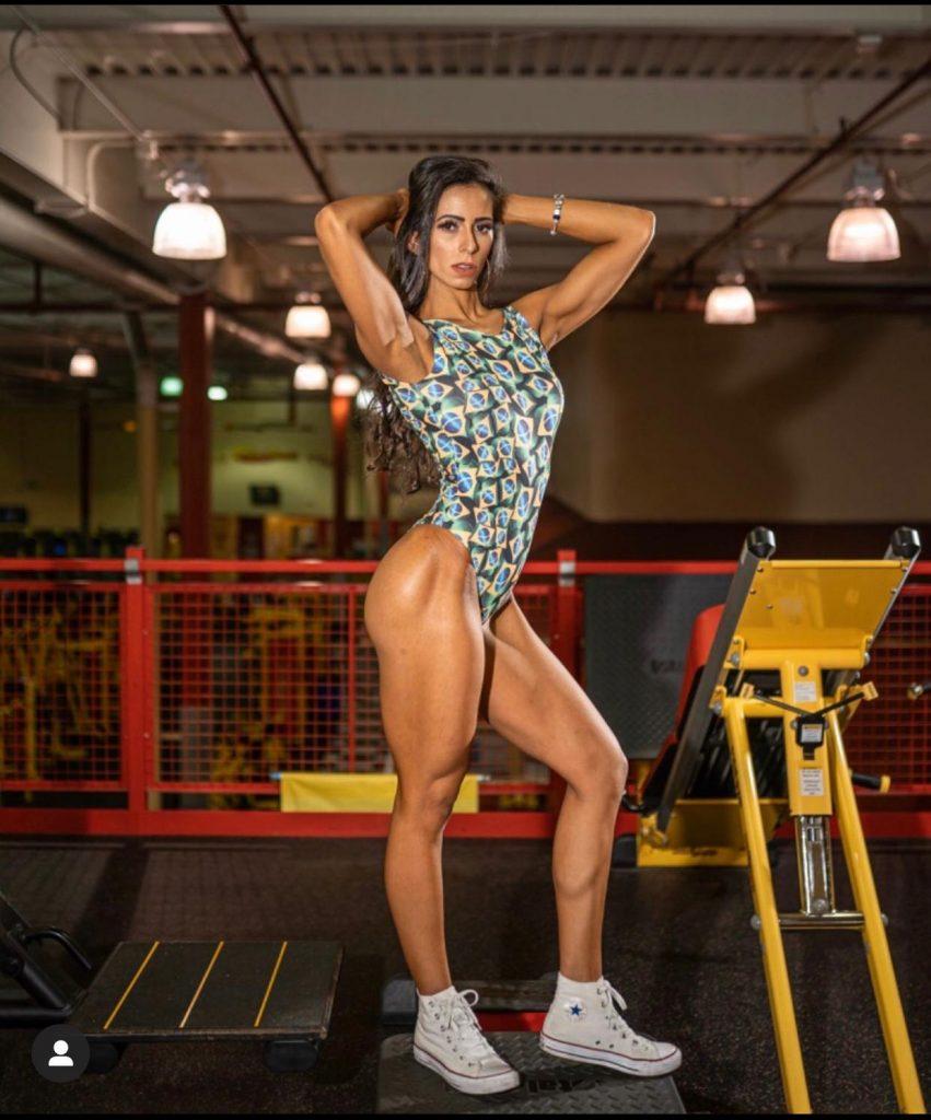 IMG 20200701 WA0089 851x1024 - Influencer Brasileira que reside em New Jersey é recordista em concursos de fisiculturismo